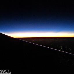 dark duskmeetsnight sunset flight airtravel