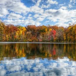 lakeinwood lake reflection autumn autumnleaves