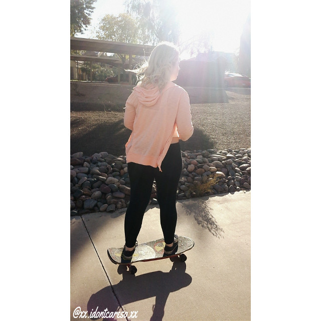 💫riding down the sides of the apartments today with chloe. Got some great shots - 💫Go follow my photography account on instagram @x_idontlikeyouso_x - 💫Go follow my main on instagram @xx.idontcareso.xx - #skating #photo #photography #outside #riding #afternoon   #colorful #nature  #love  #winter  #arizona #goodday  #cute #followforfollow #followme  #teens #sunflare  #pinksweater  #board #havingfun  #fun