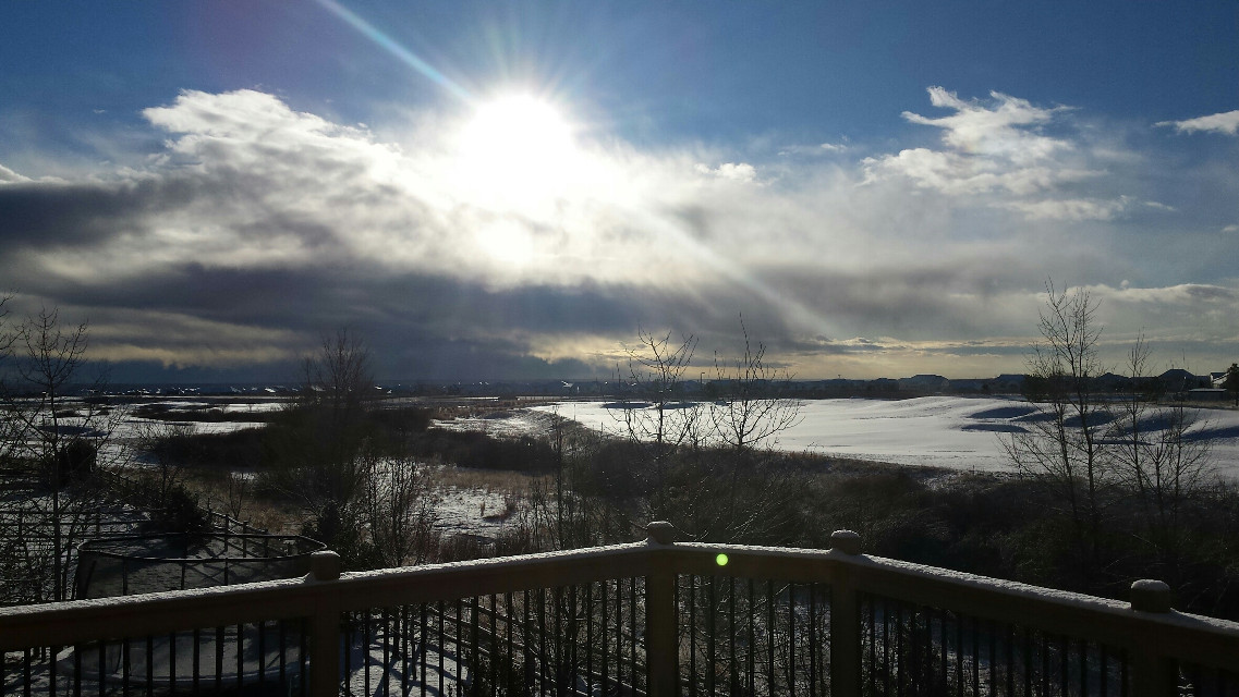 Unedited.  #dailyinspiration #rays #snow #winter #photography #nature #nature