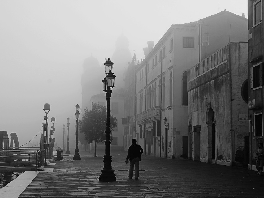 #blackandwhite #fog #streetphotography #venice #silhouette