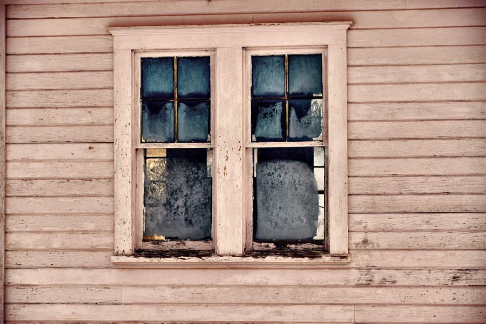 A Royal Pane #art#interesting#window #freetoedit